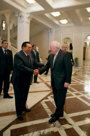 Cheney and Mubarak shaking hands at the Presidential Palace in Cairo