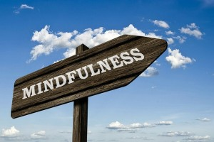 Mindfulness Sign - wooden (Pixabay)